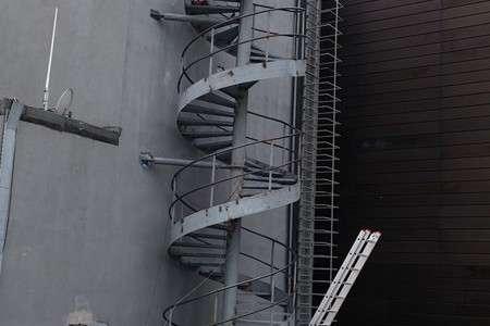 Piazza Çelik Merdiven